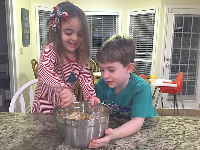 Kid Friendly Christmas Cookie Recipes Wilmingtonparent Com